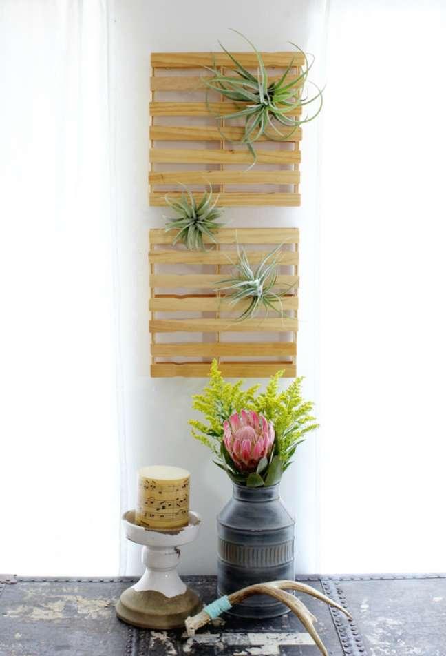 22. Plantas aéreas na decoração de casa rústica – Foto At Home in Love