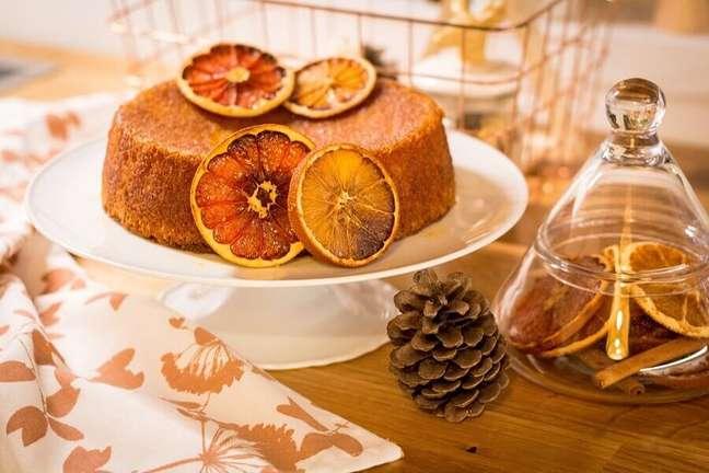 1. Como fazer bolo de laranja simples e fofinho – Foto: Unsplash