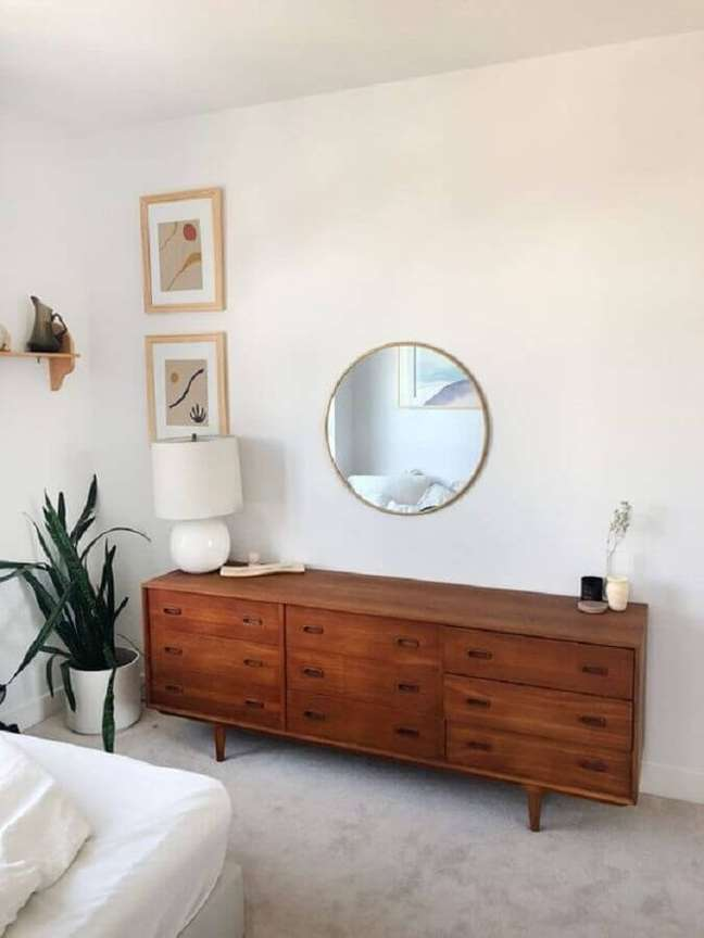 11. Saiba como escolher a cômoda de madeira ideal para sua decoração – Foto: Apartment Therapy