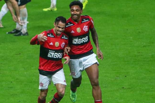 Flamengo atropela o Grêmio em goleada e encaminha vaga
