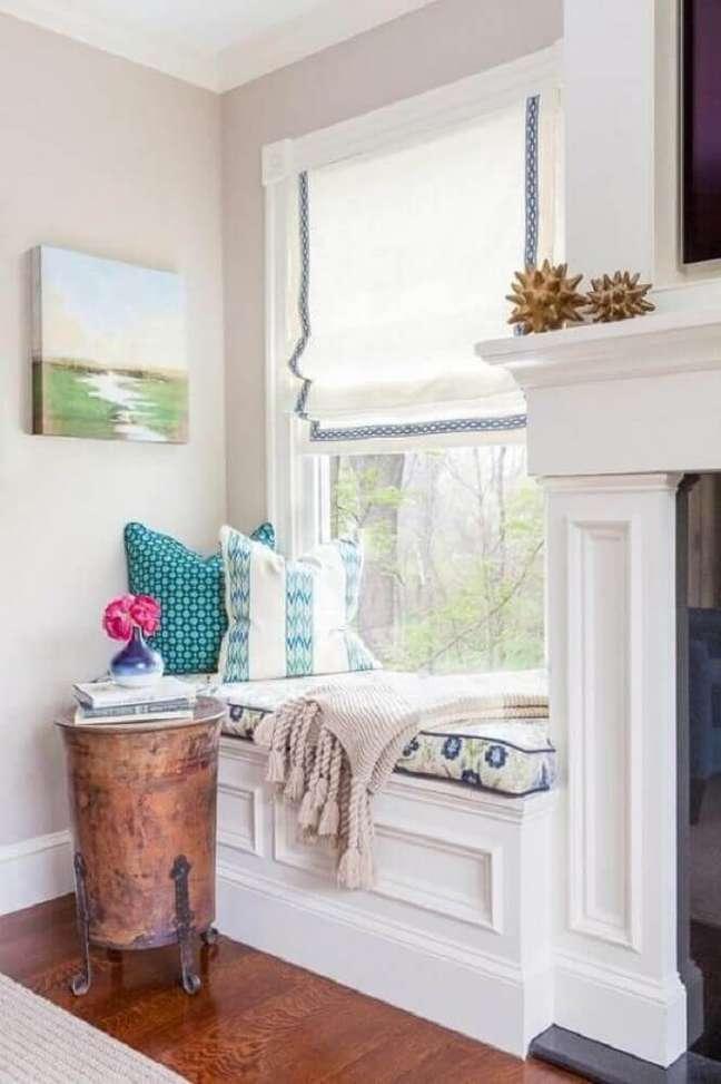 23. Decoração moderna com almofadas grandes para cantinho de leitura – Foto Jamie Keskin Design