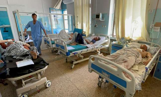 Feridos de ataque suicida em Cabul