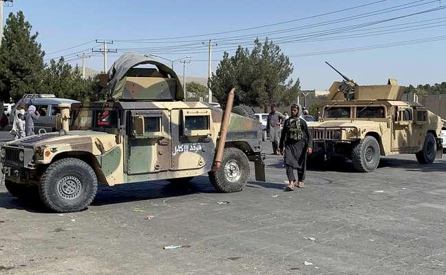 Homens do Talibã nas ruas de Cabul