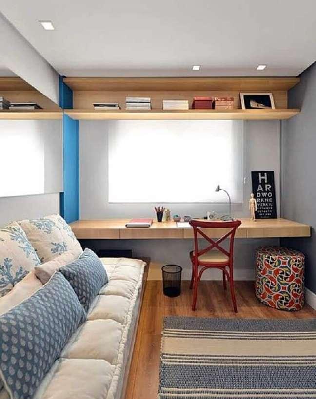 1. Bancada de estudo para decoração de quarto masculino pequeno – Foto: Bohn Fotografias