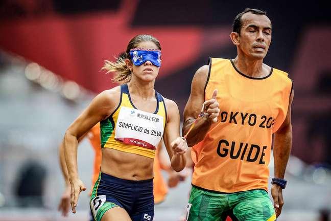 Thalita Simplício conquistou a prata nos 400m da classe T11