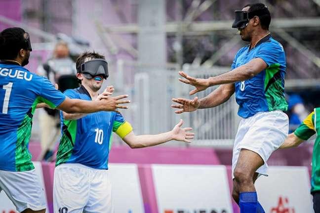 Brasil venceu a segunda partida seguida no futebol de cinco na Paralímpiada de Tóquio (Foto: Wander Roberto/CPB)