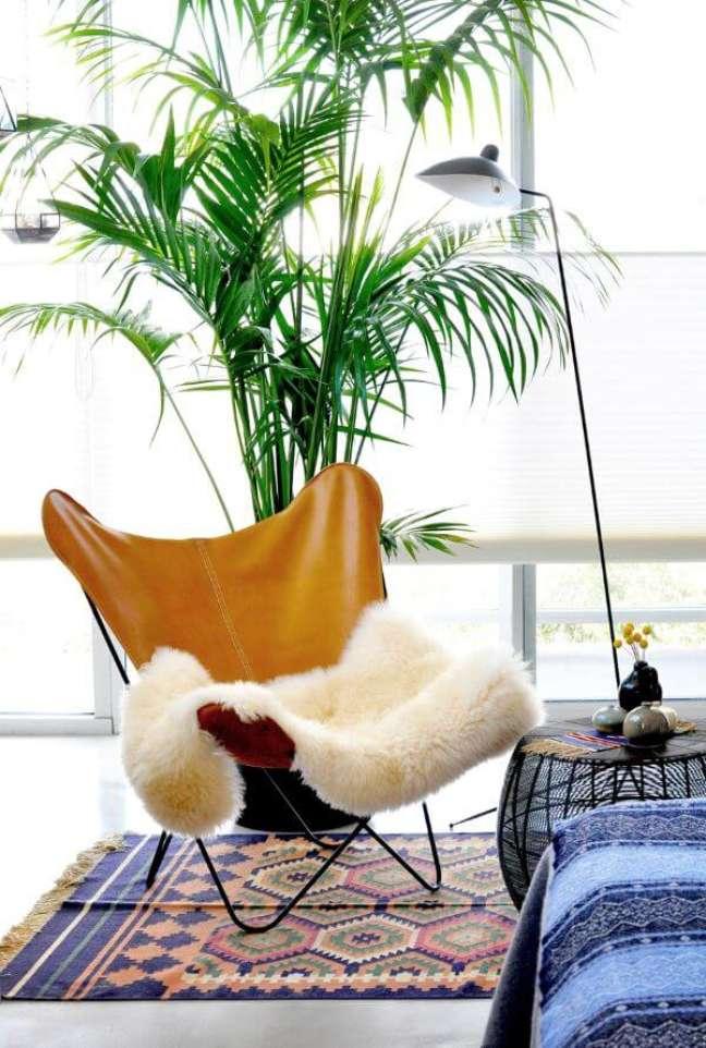 45. Decoração para quarto aconchegante com poltrona butterfly – Foto Modern Findings