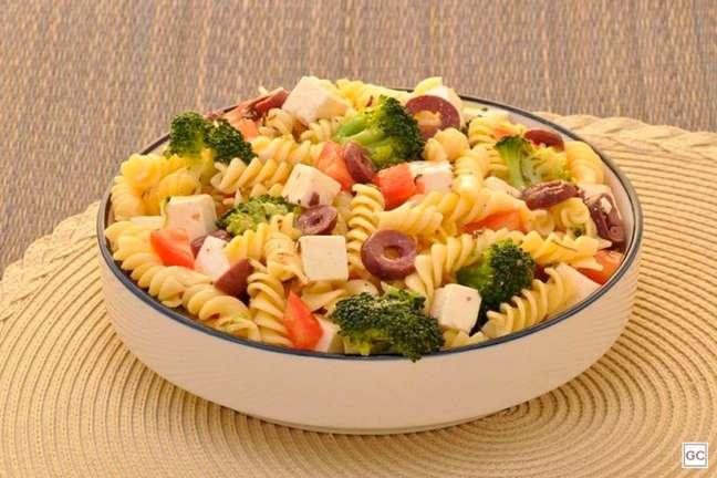 Guia da Cozinha - Salada de macarrão e brócolis
