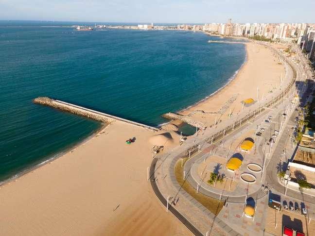 Fortaleza é outra cidade com obras para aumentar a faixa de areia em praia