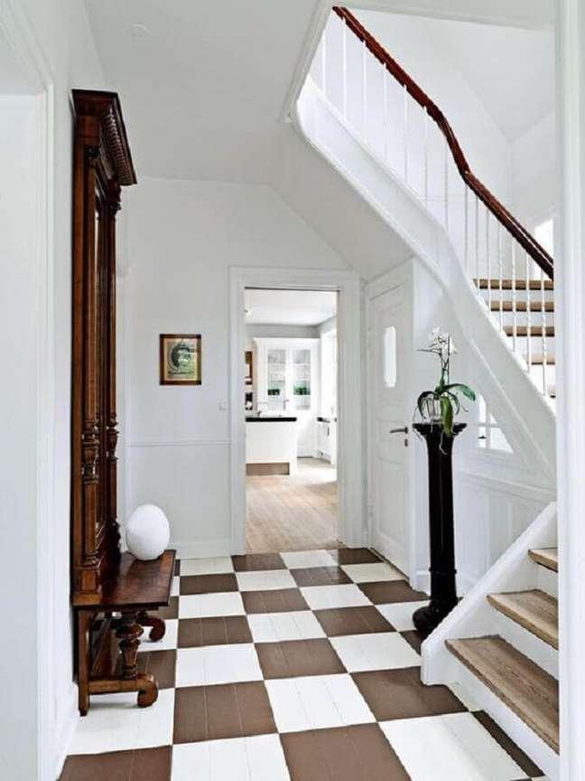 28. Decoração de casa com piso xadrez branco e marrom – Foto: BO BEDRE