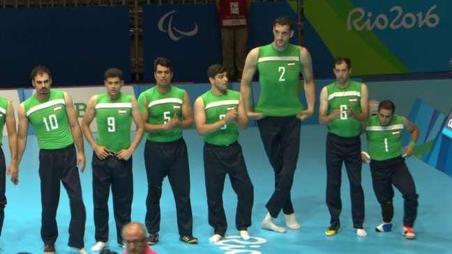 O camisa 2 é o principal pontuador da equipe e é o segundo homem mais alto do mundo (Foto: Reprodução/Twitter)