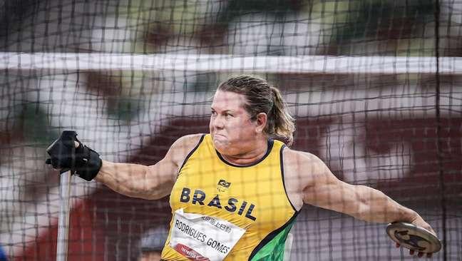 Elizabeth Gomes bate o recorde mundial e fatura a medalha de ouro em Tóquio Wander Roberto CPB