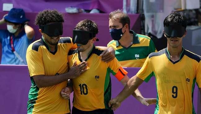 Ricardinho (10), capitão da Seleção Brasileira de futebol de 5 durante jogo nesta segunda-feira Takuma Matsushit CPB