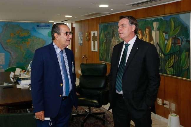 Bolsonaro com Silas Malafaia; pastor também tem criticado ministros do Supremo