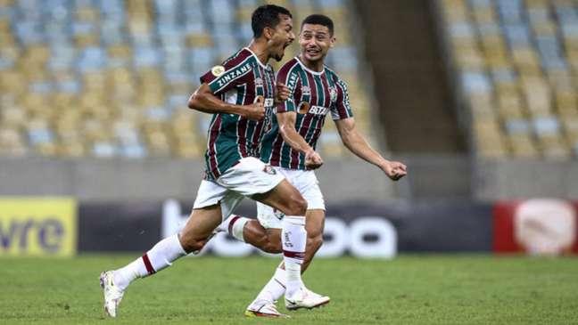 Lucca marcou o primeiro gol do Fluminense após cobrança de falta (LUCAS MERÇON / FLUMINENSE F.C.)