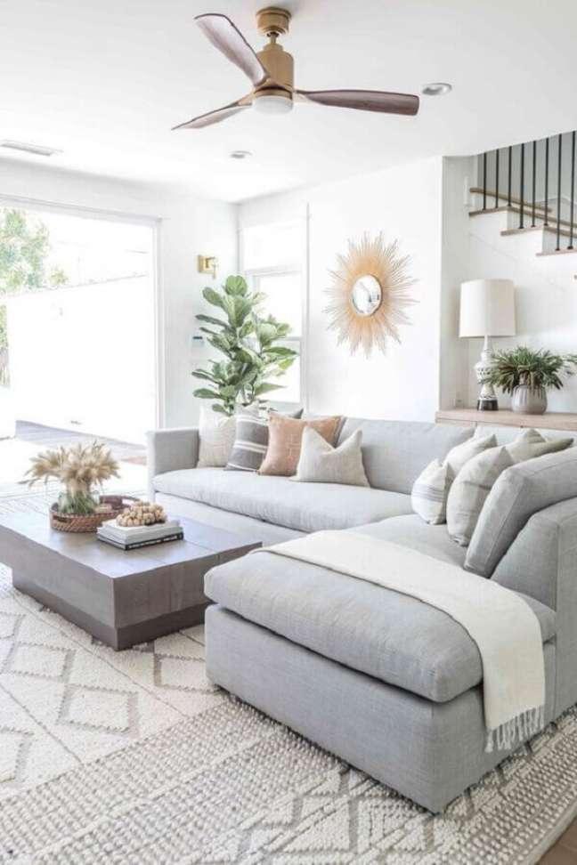 39. Tipos de sofás de canto para decoração de sala de estar clean – Foto: Casa Abril