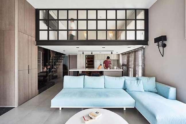 21. Tipos de sofá com chaise para decoração de sala com cozinha integrada – Foto: Behance