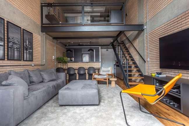 2. O loft já contava com uma essência industrial. Foto: JP Image
