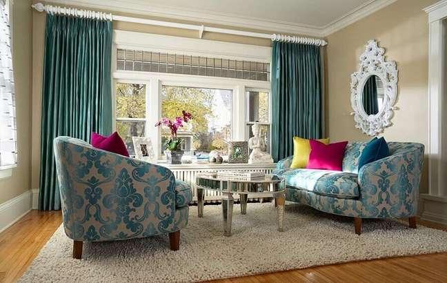 47. Tipos de sofás estampado para decoração de sala com estilo clássico – Foto: Arkpad