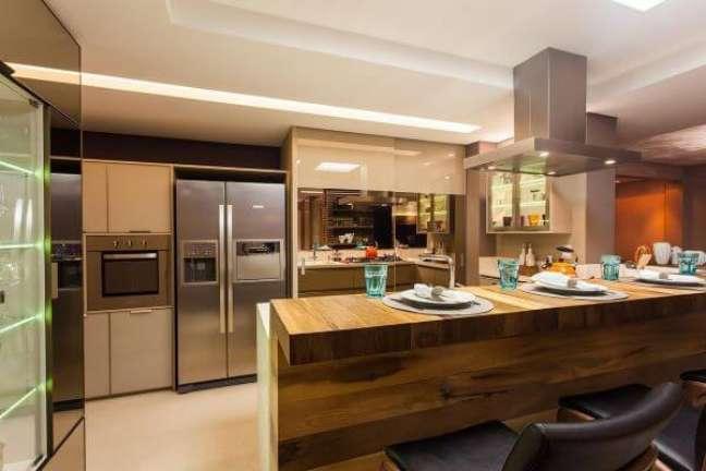 4. Como organizar geladeira na cozinha planejada e moderna – Foto Juliana Pippi