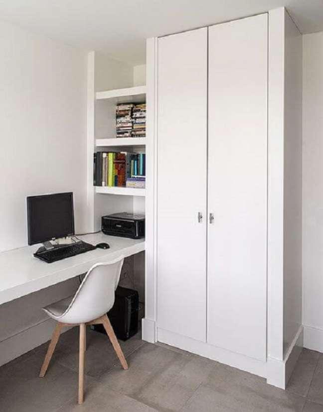 53. Escritório pequeno em casa com móveis planejados. Foto: Van de Scheur Interieurbouw