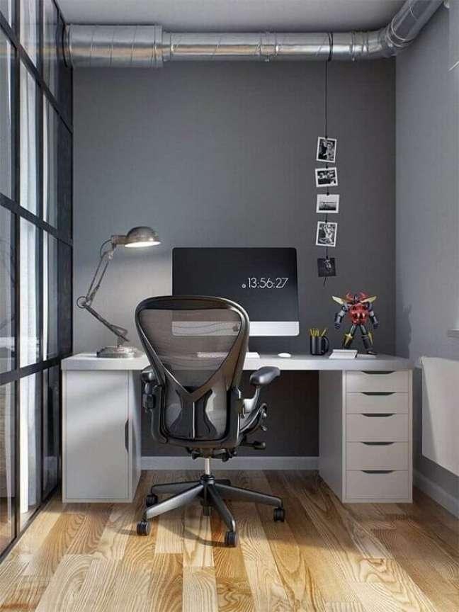 77. A cadeira giratório traz conforto para o escritório pequeno e moderno. Foto: Home Fashion Trend
