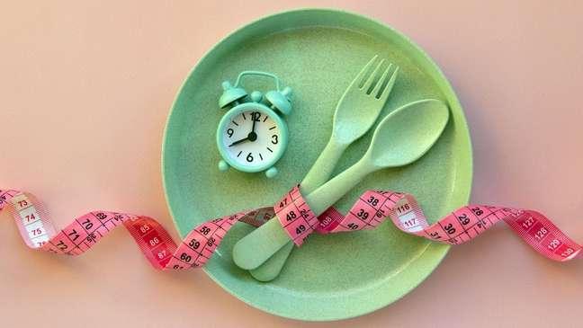 A dieta pode variar entre 12 a 24 horas em jejum