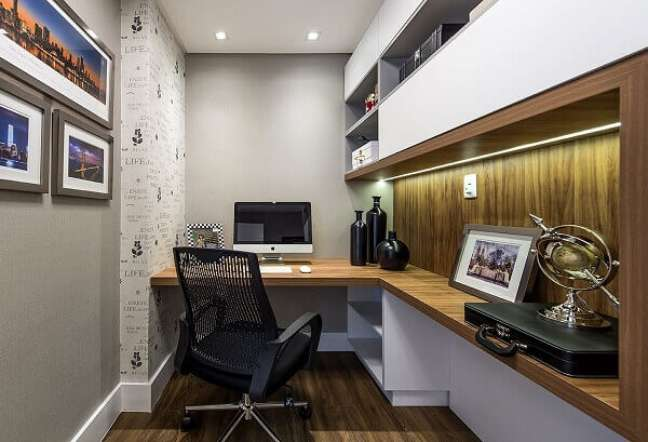 38. Mesa planejada em formato L para escritório pequeno. Projeto de Espaço Traço Arquitetura