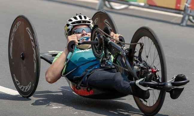 Jady Malavazzi fechou a prova de ciclismo de estrada na 13ª colocação em Tóquio (Foto: Divulgação)