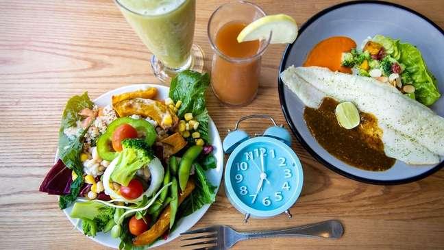 O ideal é comer pelo menos um alimento de cada grupo - Shutterstock