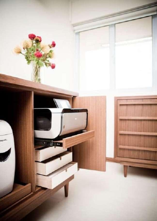 40. Invista em móveis planejados para escritório pequeno. Foto: Home and Decor