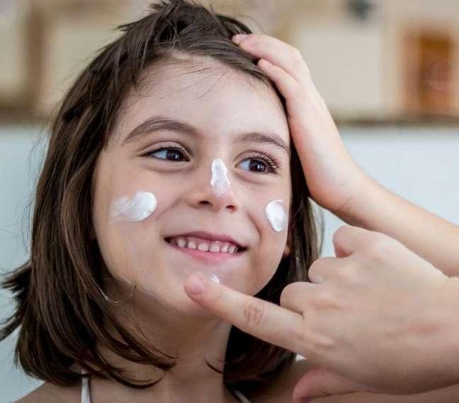 A proteção solar em crianças deve ser rigorosa e diária