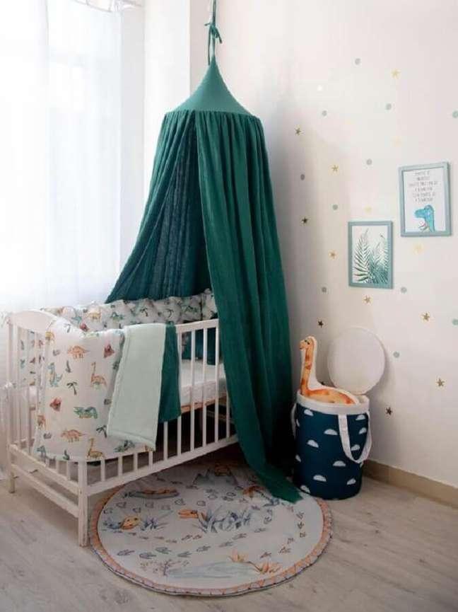 15. Berço com dossel para decoração de quarto de bebê simples – Foto: Happy Spaces Workshop