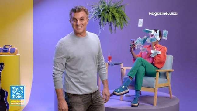 Luciano Huck em campanha do Magazine Luiza.