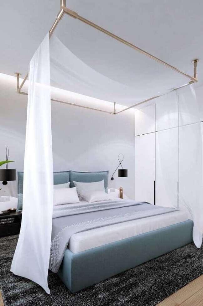 8. Dossel de teto com mosquiteiro para decoração de quarto de casal moderno – Foto: Houzz