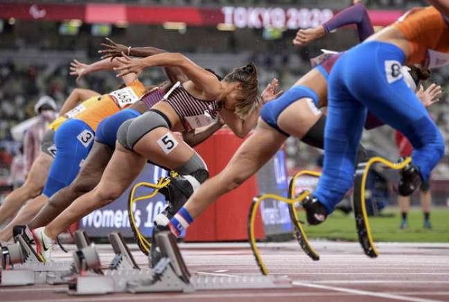 Atletas largam para prova de atletismo desta Paralimpíada; nenhum competidor teve caso de covid registrado até agora