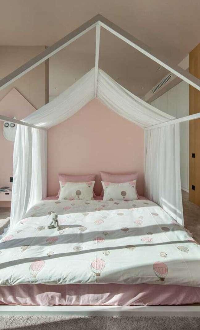 11. Dossel com mosquiteiro para decoração de quarto feminino branco e rosa – Foto: As Arquitetas