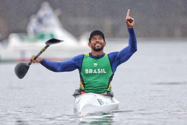 Luis Carlos Cardoso conquistou a medalha de prata na canoagem de velocidade em Tóquio (Foto: Mirian Jeske/CPB)