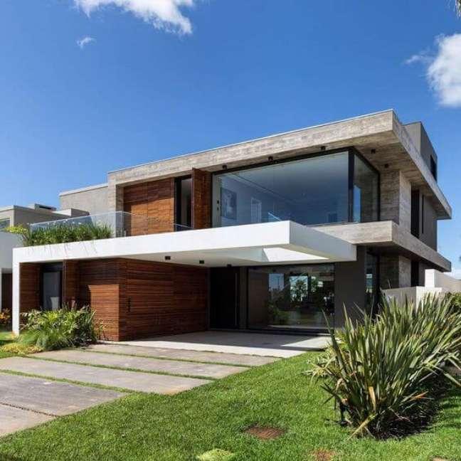 11. Fachada moderna com janelas de vidro – Foto Martin Arquitetura