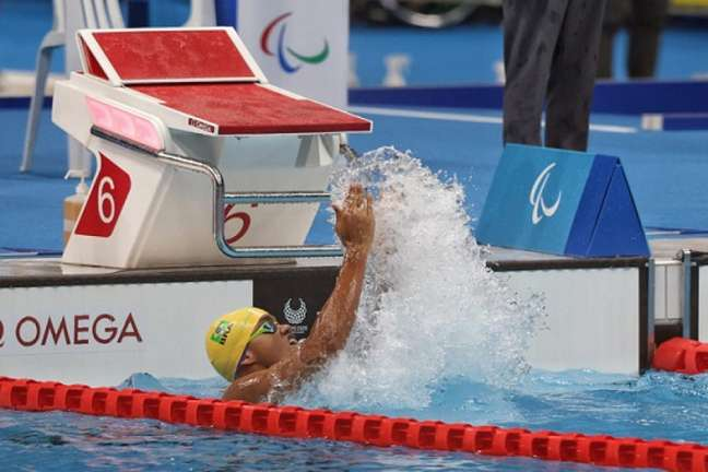 Thiago Paulino arremessa durante prova que lhe rendeu a medalha de ouro (Foto: Takuma Matsushita/CPB)