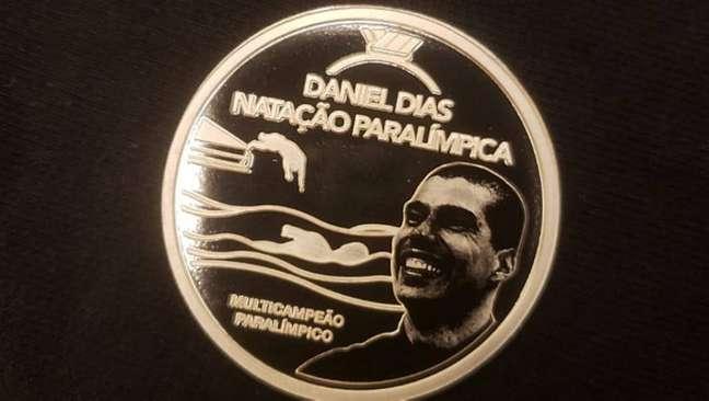 Detalhe da versão em prata da coleção de Daniel Dias, que vai custar R$ 560