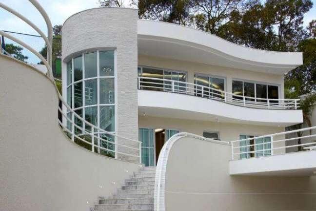 22. Casa moderna com fachada de vidro – Foto Aquiles Nicol
