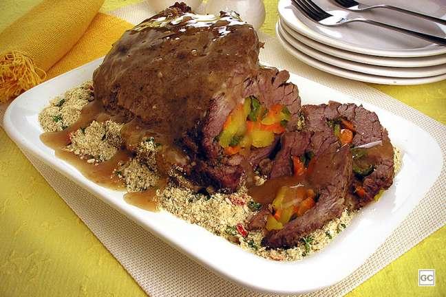 Guia da Cozinha - Carne de panela recheada para inovar na próxima refeição