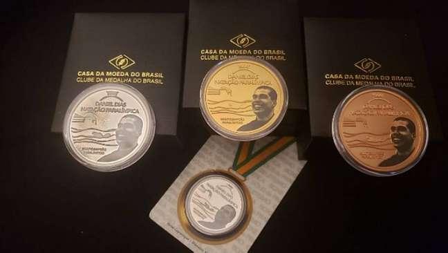 Coleção de Daniel Dias tem peças em em prata, bronze dourado, bronze e cuproníquel