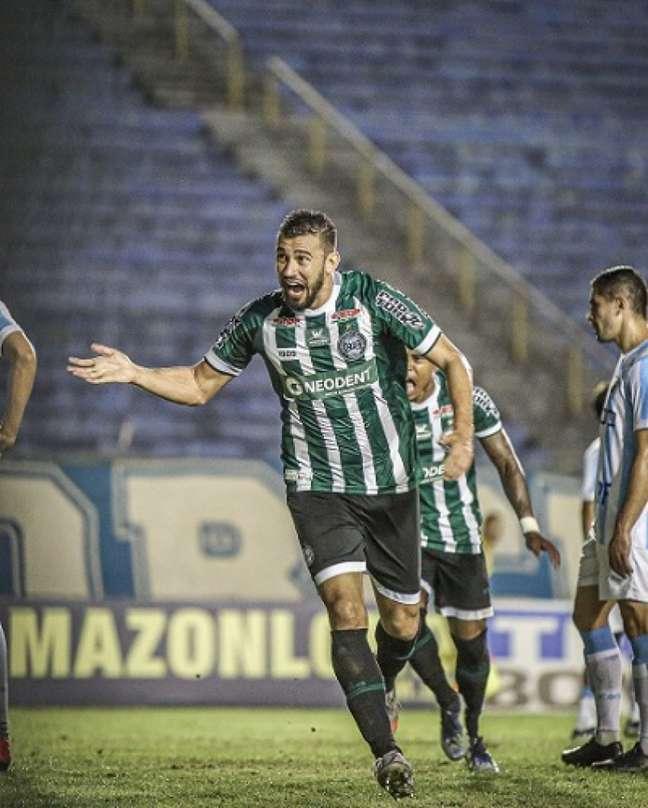 Coxa sofreu, mas venceu o Londrina (Foto: Twitter Coritiba)