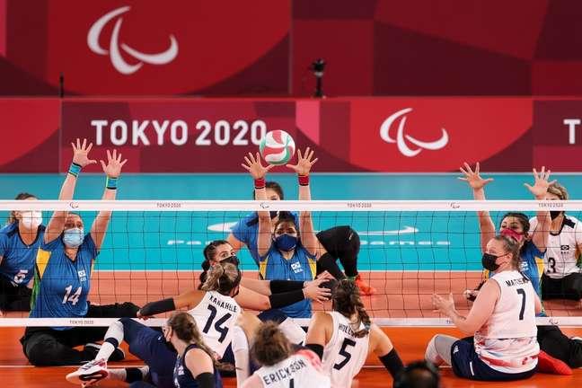 Brasil perdeu na semifinal do vôlei sentado nesta sexta-feira na Paralimpíada Mikihito Matsui CPB