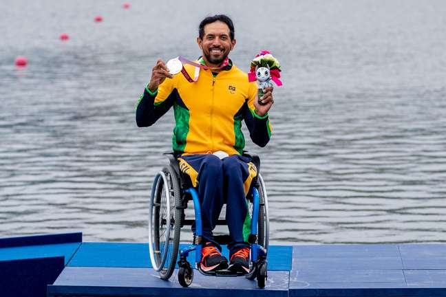 Luis Carlos Cardoso conquista a prata na categoria KL1 200m da Canoagem Velocidade Miriam Jeske CPB