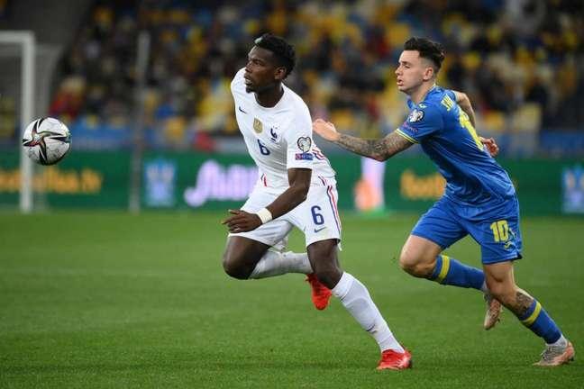 Pogba e Shaparenko foram dois dos principais nomes dos meios-campos das duas equipes (Foto: FRANCK FIFE / AFP)