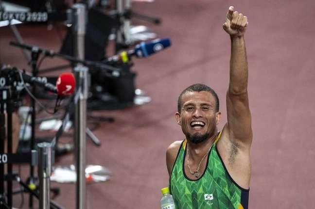 Ricardo Gomes brilhou nas pistas do atletismo nesta sexta-feira (Foto: Ale Cabral/CPB)