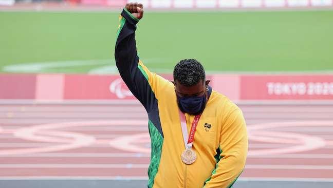 Thiago Paulino protesta e recebe medalha de bronze Miriam Jeske CPB